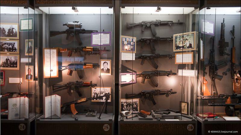 """7. Ряд современных автоматов АК-74 (5.54-мм), автоматов серии АК-100 (разные калибры, в том числе НАТО), карабины """"Сайга"""" и """"Вепрь"""""""