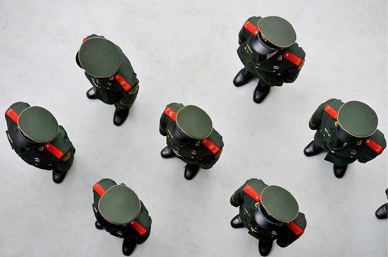 1. Строй китайских солдат на выставке Экспо 2010 Шанхай Китай, проходившей в 1 мая по 31 октября 2010 г. 1 октября. (PHILIPPE LOPEZ/AFP/Getty Images)