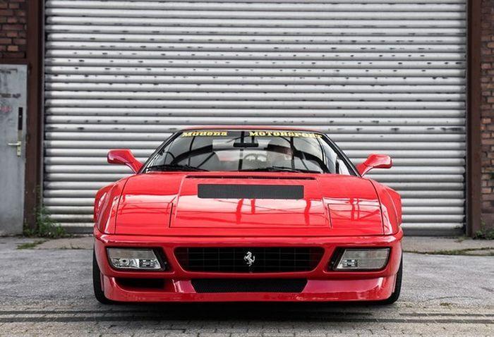 Секретный прототип Ferrari продается за лям $ (8 фото)