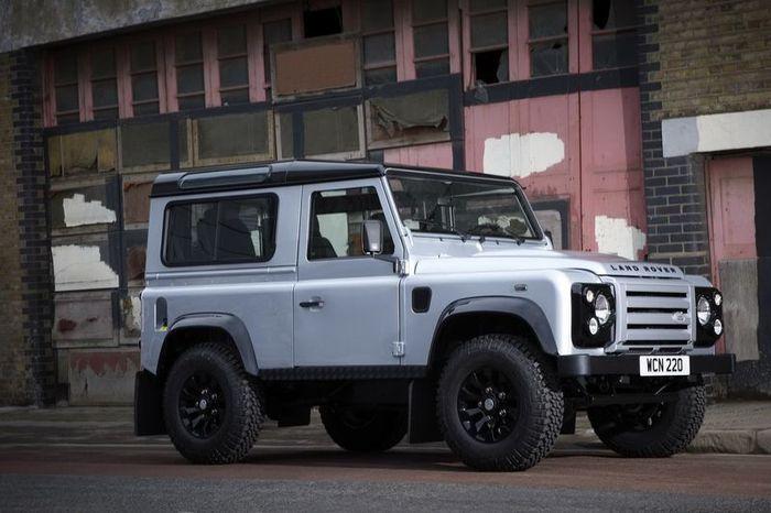 В Land Rover подготовили новую версию Defender X-Tech Limited Edition (18 фото)