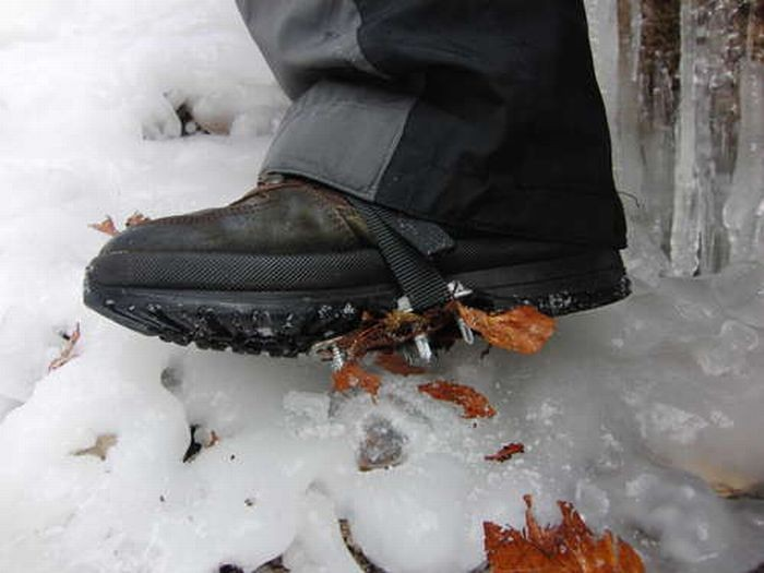 Когти на ботинках (14 фото)
