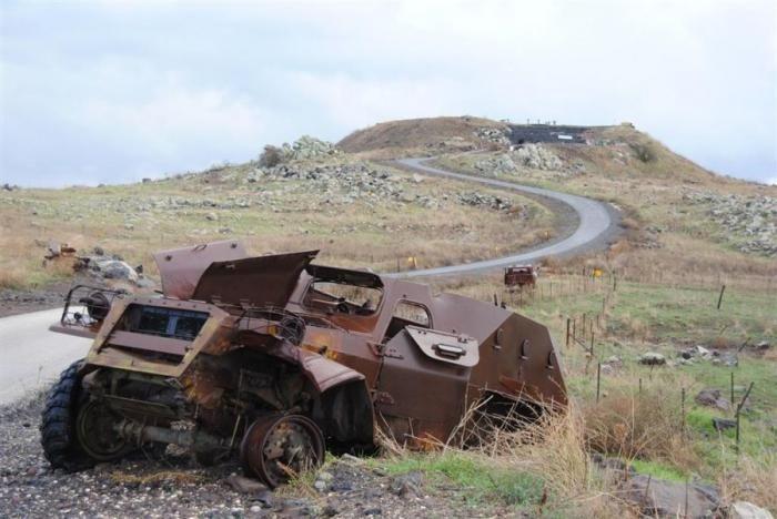 Cумеречная зона: по местам сражений Сирии и Израиля в Тель-ас-Саки (17 фото)