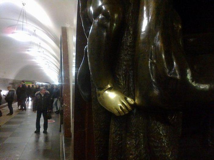 Что блестит на станции метро Площадь Революции (13 фото + текст)