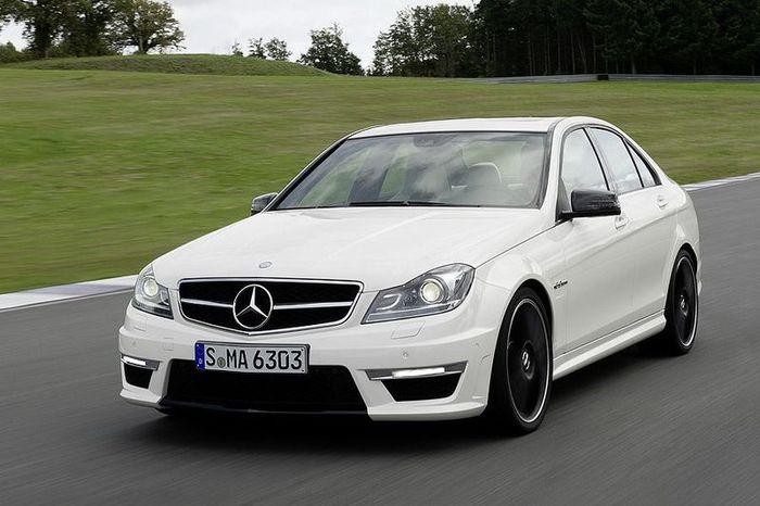 Mercedes-Benz показал рестайлинговый C-Class — С63 AMG (24 фото)