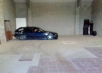 Дрифт в гараже