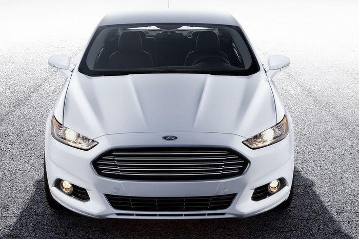 Компания Ford представила новый Ford Fusion в трех модификациях (78 фото)