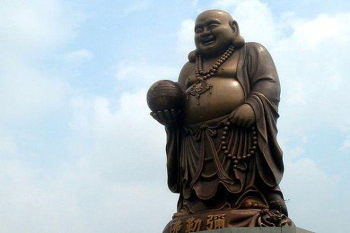 Самые высокие статуи мира (10 фото)