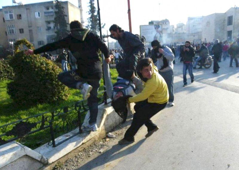 s s14 RTR2VRCL 990x705 Беспорядки в Сирии