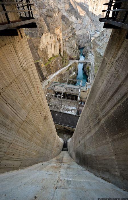 Чиркейская ГЭС - самая высокая арочная плотина в России (48 фото)