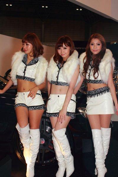 Девушки с автосалона в Токио (44 фото+3 видео)