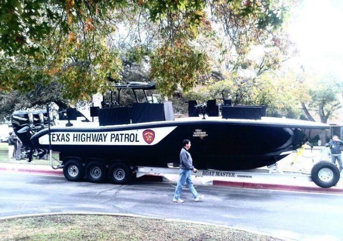 Новая лодка техасских рейнджеров (6 фото)