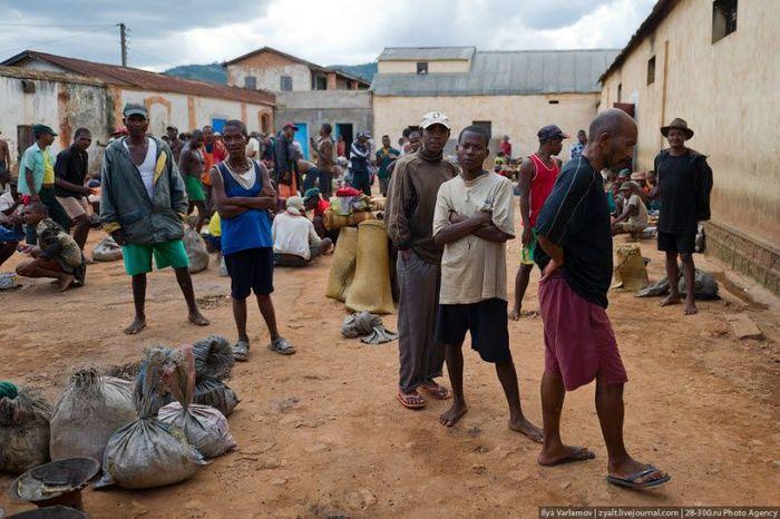 Мадагаскарская тюрьма (22 фото)