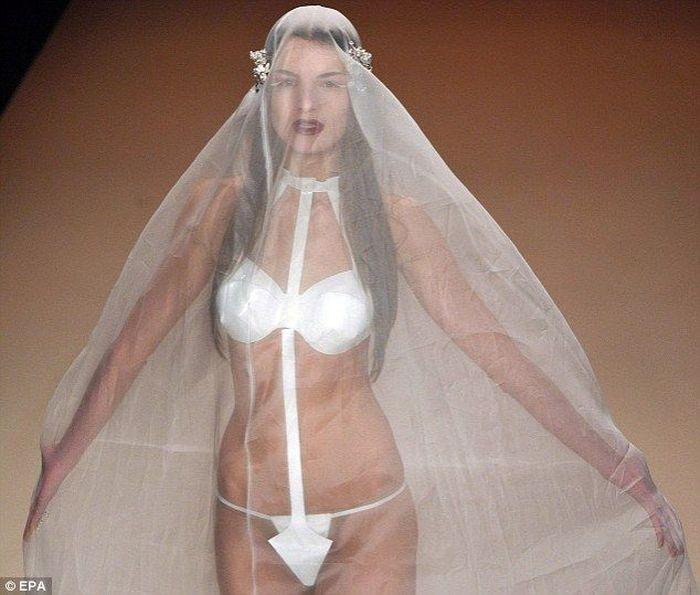 Свадебное платье G-String (4 фото)