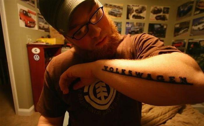 татуировки фанатов немецкой марки Volkswagen (24 фото)