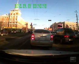 Автомобиль влетел в толпу пешеходов