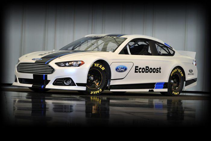 Новый Ford Fusion подготовлен для гонок NASCAR Sprint Cup (5 фото)