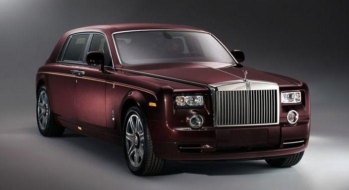 Rolls-Royce Phantom Dragon Edition для китайского рынка (8 фото)