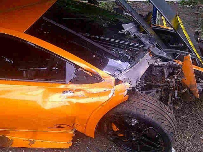 Несколько серьезных неудач с суперкарами (14 фото)