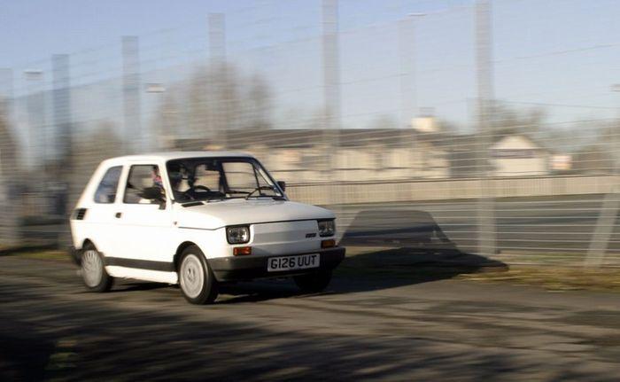 Fiat 126 с заводным моторчиком от Yamaha FZR (9 фото+видео)