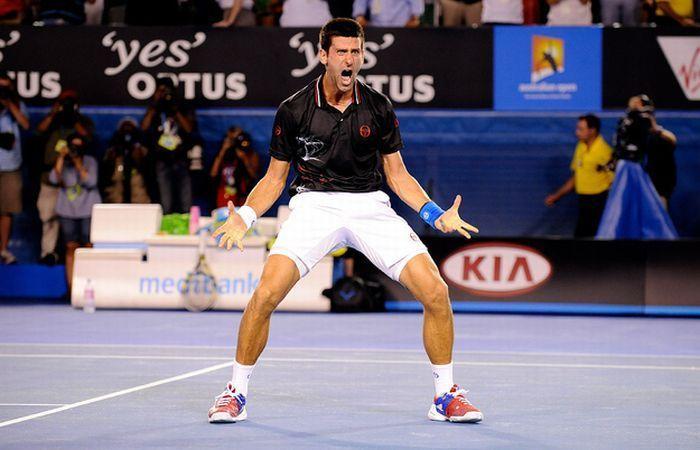 Новак Джокович отметил победу (4 фото)