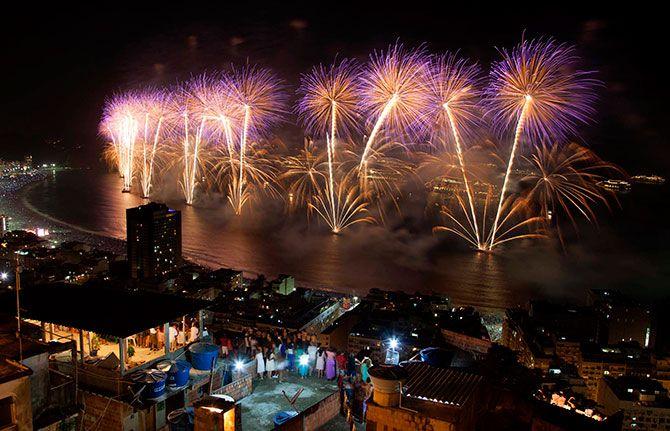 салют, новый год, по всему миру,