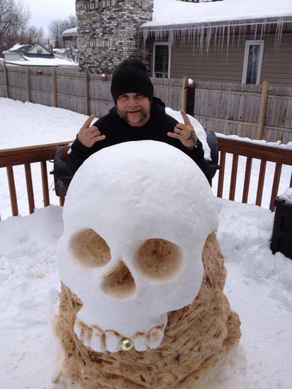 Бесплатно фото из снега, прикольная фотографи, скульптура, слепил, череп