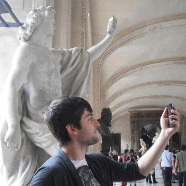 Фотоприкол мобильный телефон, пародия, прикол, скульптура, смешная фотография