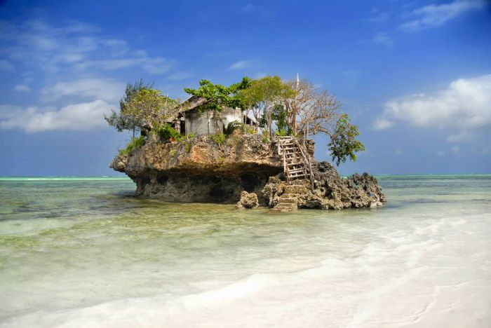 Фотоприкол недели дом на острове, красота природы, океан, остров, пляж, посреди океана