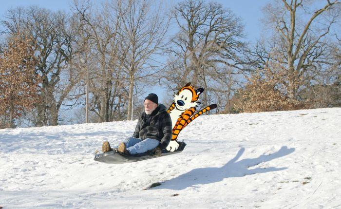 Юмор дедушка, катается, летит, по снегу, прикол, прикольная фотографи, санки