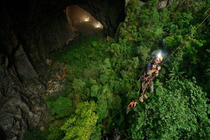 Юмор альпинист, девственная, дикая природа, красивая фотография, пещера, природа, спелеолог, спуск