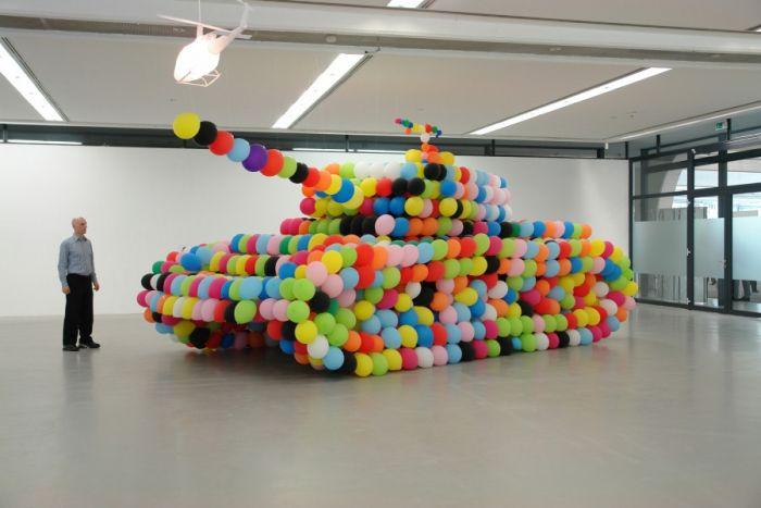 Фотка воздушные шарики, дизайнер, прикольно, танк, шары