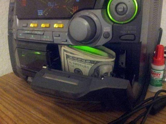 Новые фото деньги, магнитофон, музыкальный центр, нычка, прикол, тайник