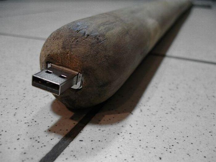 usb-флешка, девайс, гаджет, лопата
