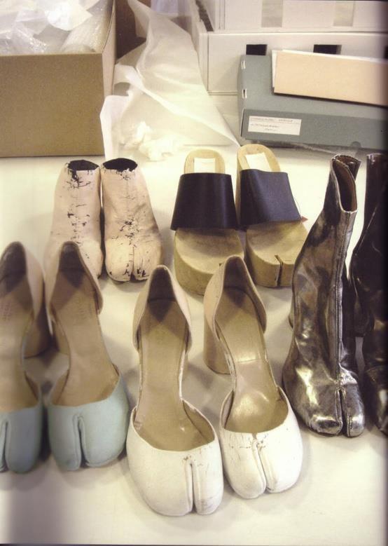Фото копыта, необычная обувь, прикол, смешная фотография, туфли