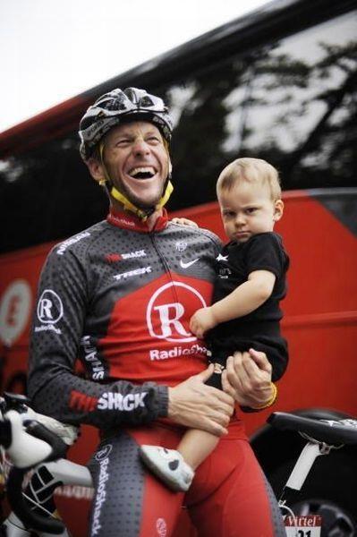 Отпадные фотки выражение лица, гонщик, крутая фотография, малыш, отец и сын