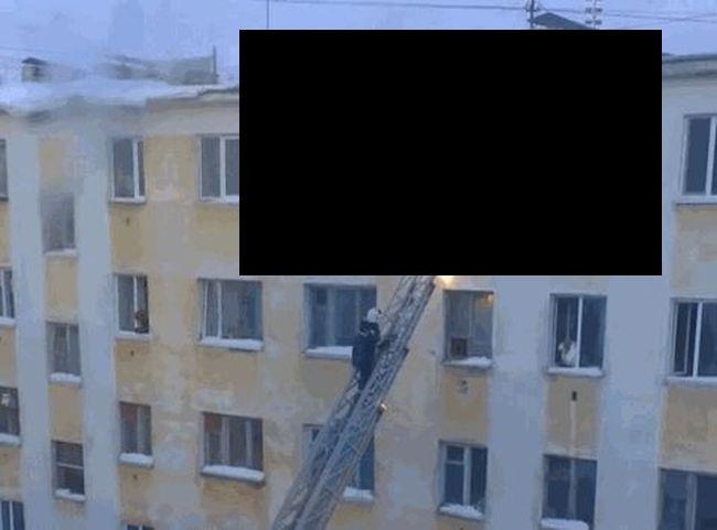 пожарный, снег, обвал,