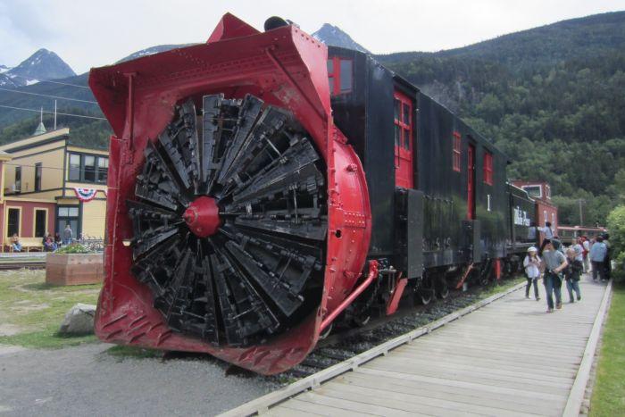 Фотоприкол недели выставка, красивый поезд, назад в будущее, поезд, прикольная фотка, экскурсия