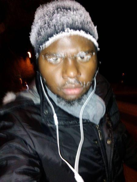Бугагашеньки замерз, иней, обледенел, прикол, снег, чернокожий