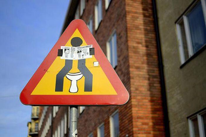 Фотоприкол бесплатно дорожный знак, отредактировали, прикол, разрисовали, смешная фотография