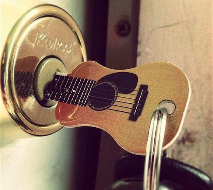 Новый фотоприкол брелок, гитара, ключ, креатив, крутая вещь