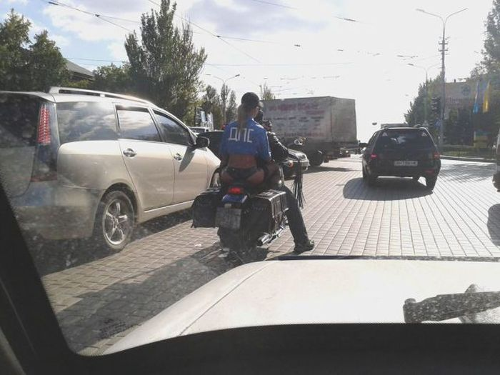 Зачетное фото байкер, девушка, дпс, мотоциклист, надпись на футболке