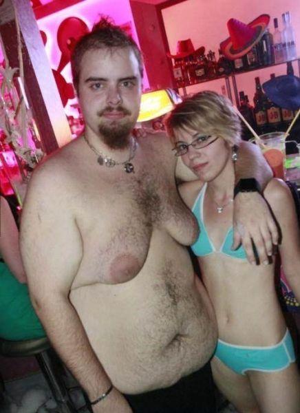 Фотоприкол бесплатно гармоны, девушка, мужик, сиськи, толстый мужик