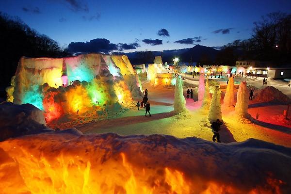 Снежные фестивали на острове Хоккайду (20 фото)