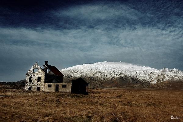 В 2008 году Виктор отправился в Исландию и сделал серию замечательных снимков: