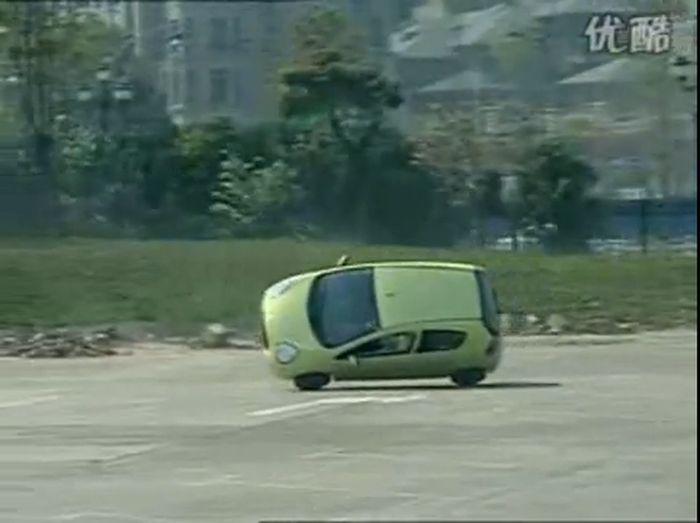 Мастерство вождения по китайски (фото+видео)