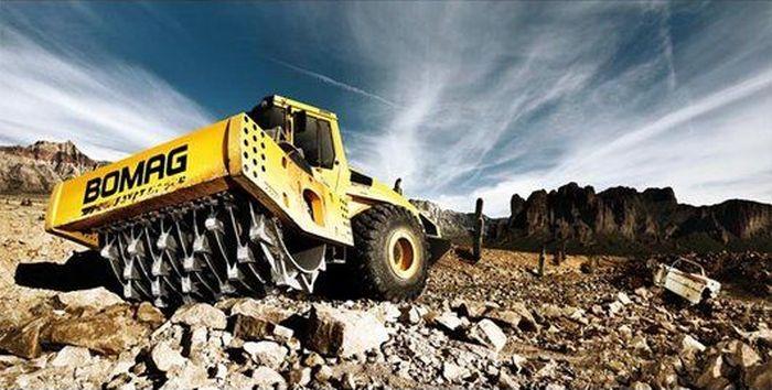 Календарь строительных машин (14 фото)
