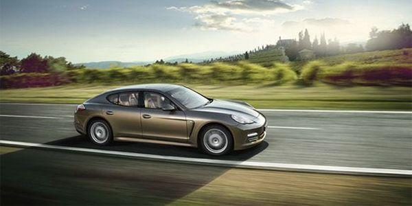 Премьера Porsche Panamera и Panamera 4 (2 фото)