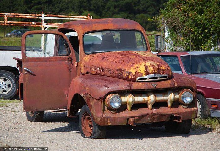Ржавая американская авто-классика (34 фото)