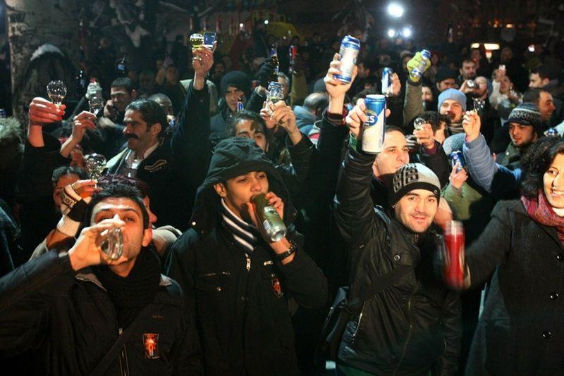 Флешмоб, который был проведен в одном из парков Анкары, был организован с помощью соцсети Facebook