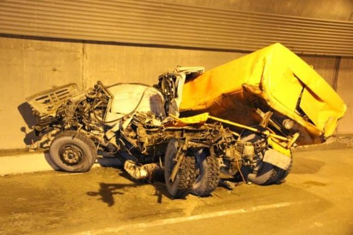 Серьезная авария в тоннеле на Красную Поляну (20 фото)